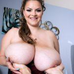 BBW Pornstar Alaura Grey big juggs 009