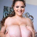 BBW Pornstar Alaura Grey big juggs 013