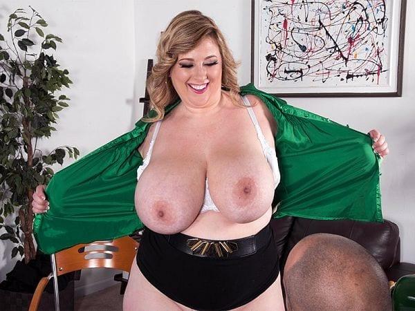 BBW Amiee Roberts porn secretary