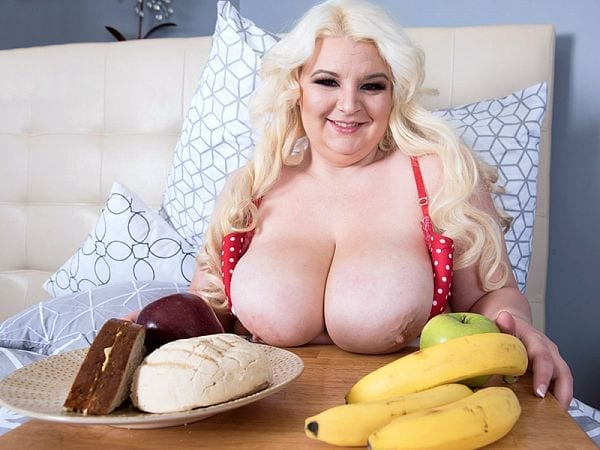 BBW Lucy Lenore food fetish