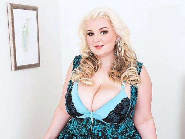 BBW Lucy Lenore model XXX