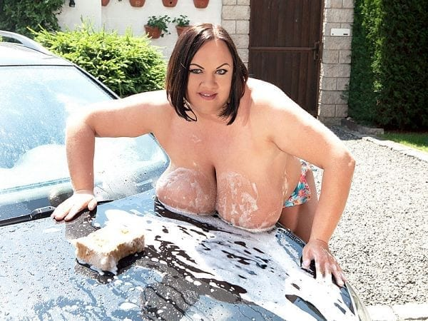 natascha Romanova BBW car wash model