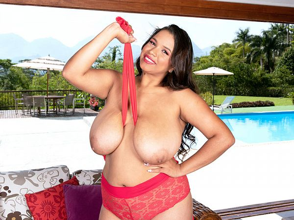 Isa Gomez BBW tits