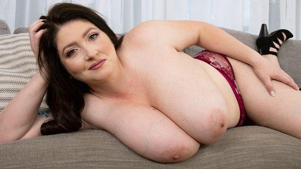 Demora Avarice BBW milf busty giant tits