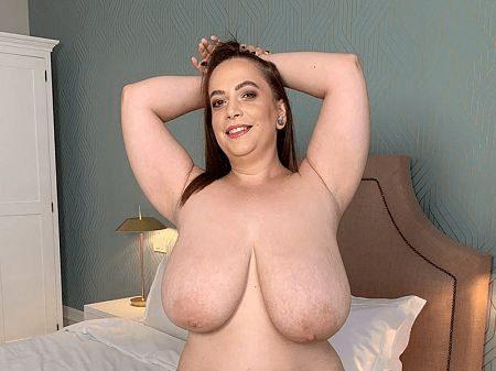Mia Sweetheart dildo masturbation fat milf
